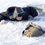 Зимняя рыбалка с купанием на Алтае