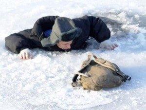 v-vode-zimoy-na-ldu